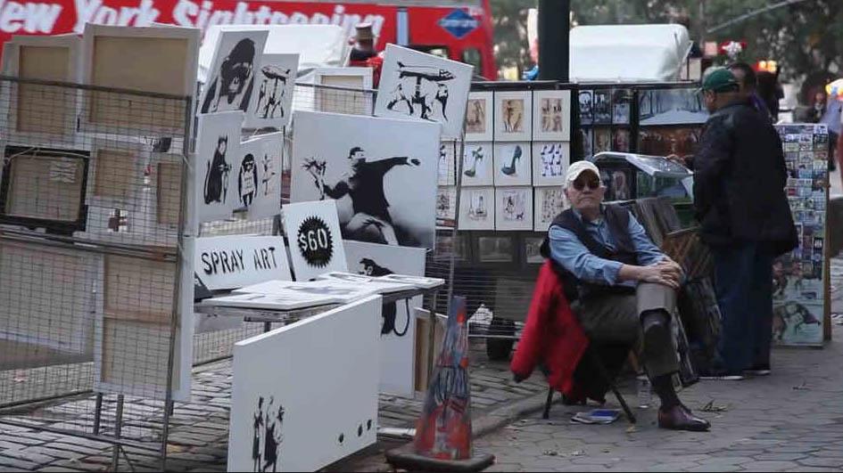 Banksy vend des toiles 60$ à la sortie du métro